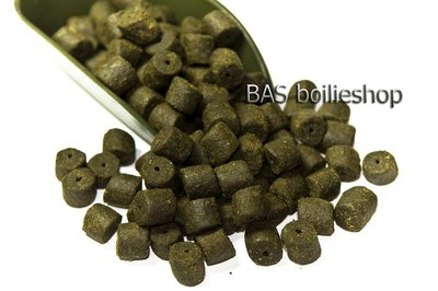 Coppens Black Halibut Pellet Zwart 08mm (met gat) / kilo